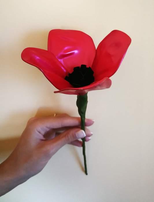 Λουλούδι παπαρούνα από μπαλόνια