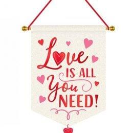 """Κρεμαστή υφασμάτινη πινακίδα """"All you need is love"""""""