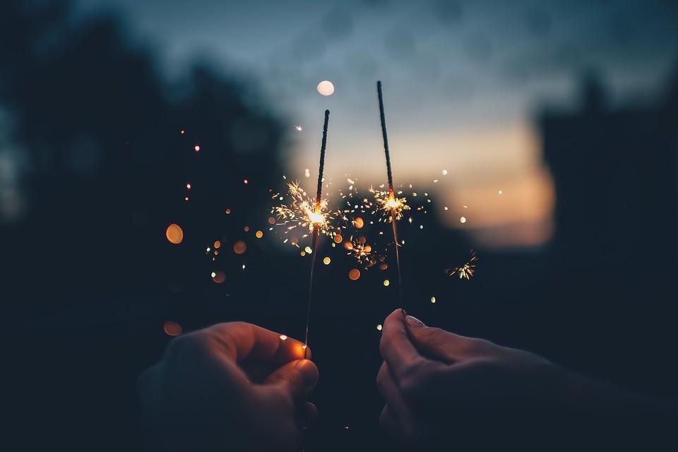 """Εφέ γάμου """"Let Love Sparkle"""""""