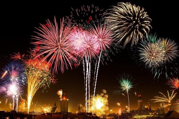 Show Πυροτεχνημάτων Πρωτοχρονιά