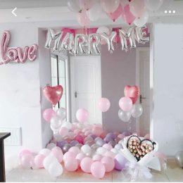 """Ένα σπίτι γεμάτο μπαλόνια """"Marry me""""?"""