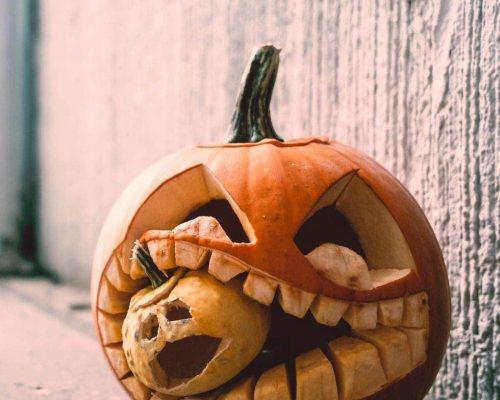 Διακόσμηση κολοκύθας για το Halloween