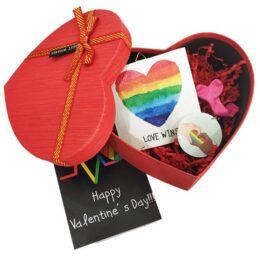 """Δώρο Αγίου Βαλεντίνου Gay """"Love Wins"""""""