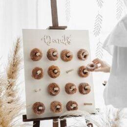 Ξύλινο Donut Wall