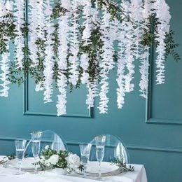 Διακοσμητικό Backdrop με λευκά Λουλούδια