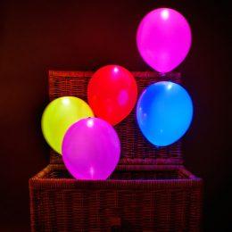"""12"""" Πολύχρωμα Μπαλόνι με φωτάκι LED (4 τεμ)"""